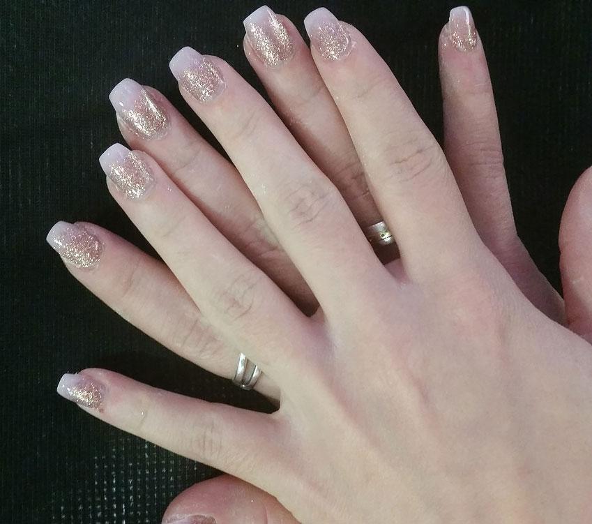 revolution nails luxus design f r ihre fingern gel. Black Bedroom Furniture Sets. Home Design Ideas